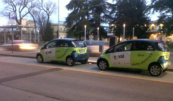 Le auto del car sharing a Cremona