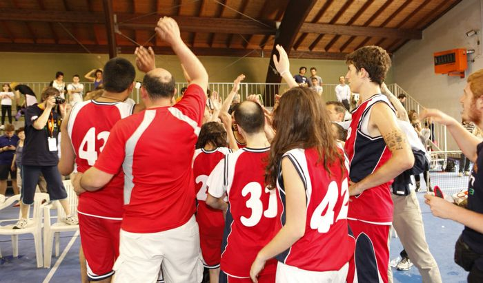 La squadra di Cremona festeggia