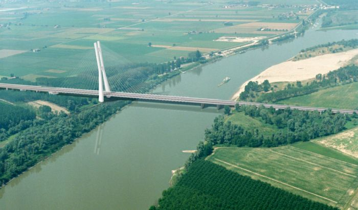 Ponte TiBre sul Po
