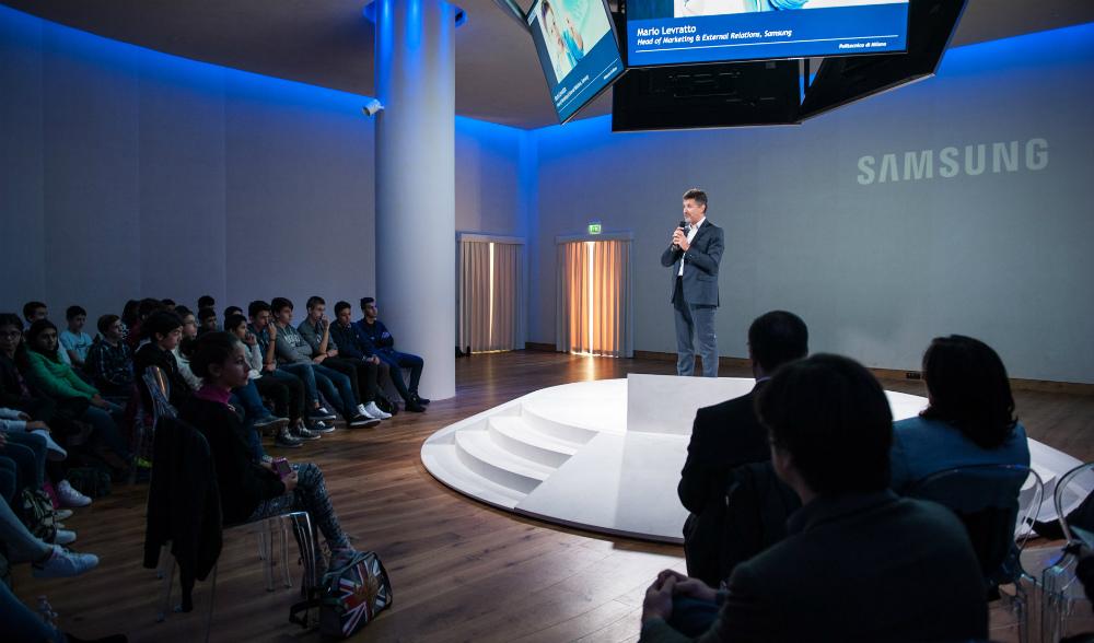 app4kids un programma per insegnare a ragazzi e bambini aForSamsung Arena Milano