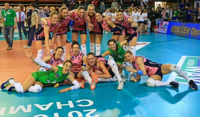 Pomì-Kazan, le rosa festeggiano: sono in finale!