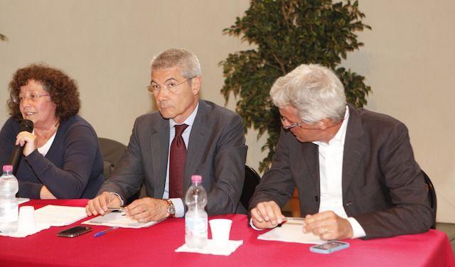 Nella foto al centro, Giuseppe Demaria