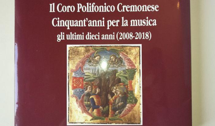 Il volume per il cinquantesimo del Coro Polifonico