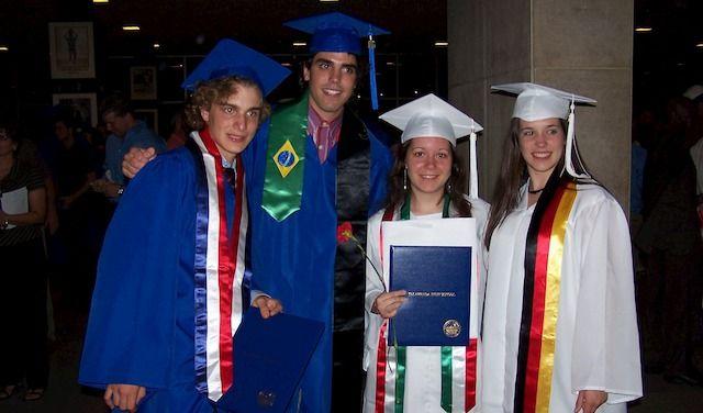 ELISA DI MAGGIO (la seconda da destra)