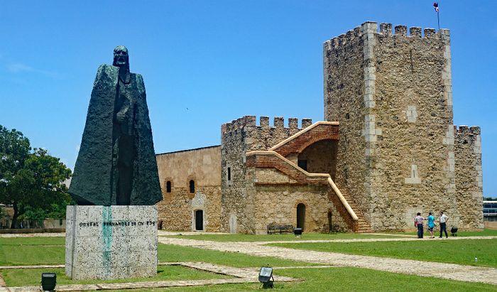 La statua di Gonzalo Fernandez