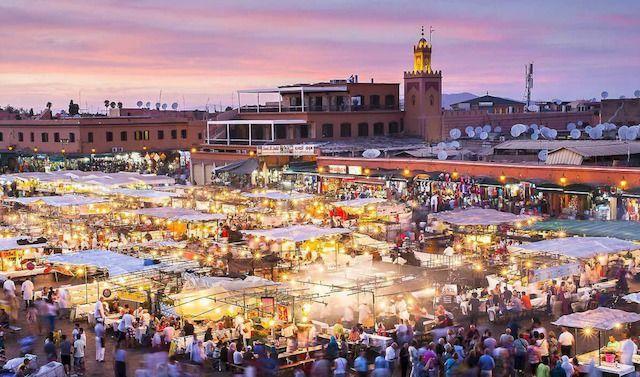 Marrakech piazza jemaa el fna al tramonto