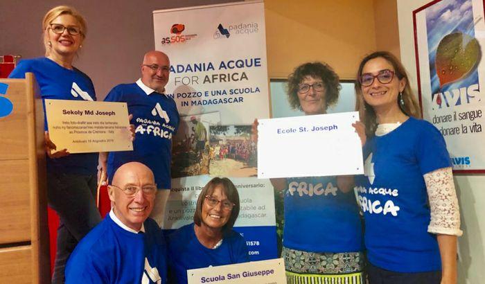 Da sx a dx: Rosella Ziglioli di S.O.S. Africa, Alessandro Lanfranchi, Claudio Bodini, Maria Carmen Russo, Emanuela Frosi e Lucia Baroni.