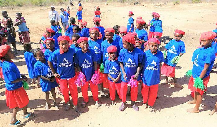 """""""Padania Acque for Africa"""", i bambini della scuola"""
