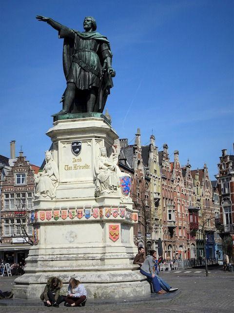 La statua di Jacob Van Artevelde