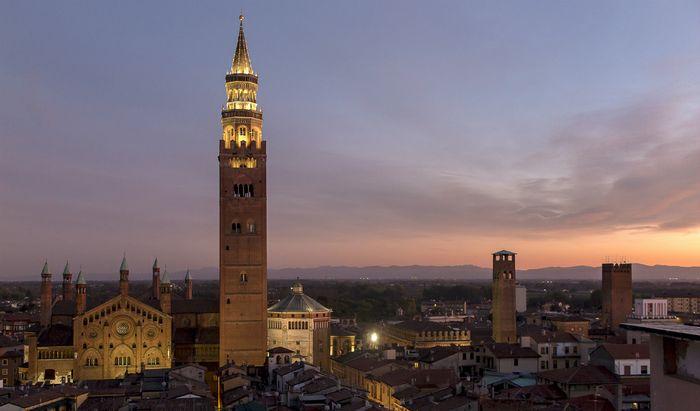 Cremona adagiata in pianura