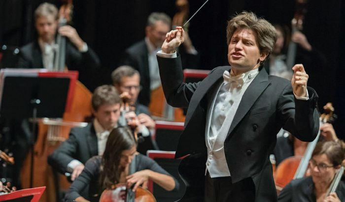 Il direttore d'orchestra Daniele Rustioni