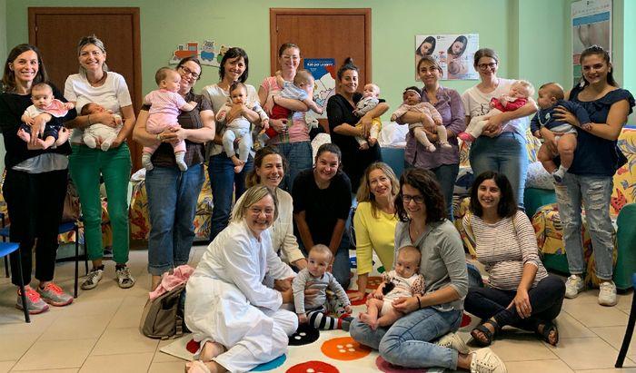 Un gruppo di mamme al Consultorio