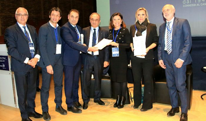 La consegna del documento del Tavolo della Competitività al Ministro De Micheli e all'assessore Terzi