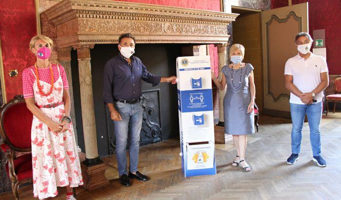Donazione totem da Lions Club Torrazzo al Comune