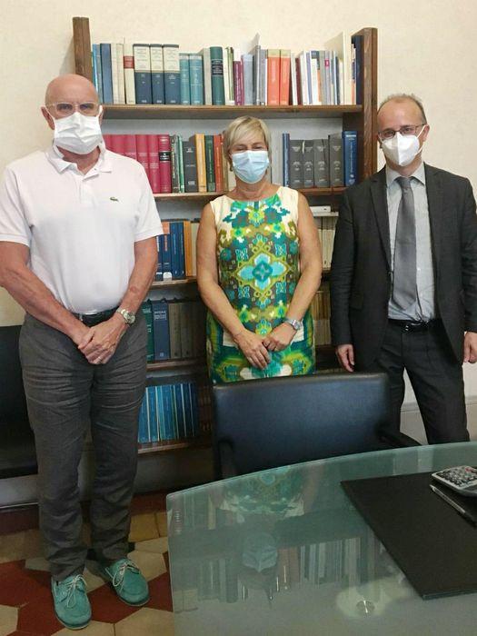 Giuseppe Rossi, Ida Beretta, notaio il giorno della firma dell'atto di donazione