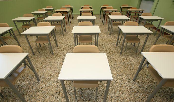 La ripresa della scuola - I nuovi banchi presso la Primaria Trento Trieste di Cremona