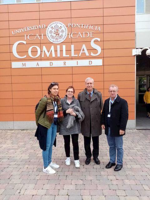 Da sinistra, Eleonora Castelnovo, referente gruppo di lavoro Moec; Angela Grasselli, responsabile della Scuola per l'Infanzia di Ricengo; il prof. Luigi d'Alonzo, direttore di CeDisMa; e il prof. Romano Dasti, dirigente scolastico dell'Istituto Comprensivo «Falcone e Borsellino» di Offanengo.