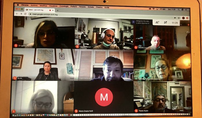 I dirigenti scolastici in collegamento Skype