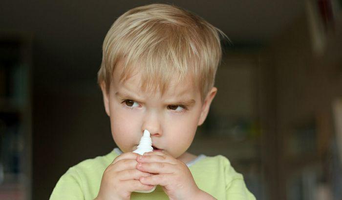Spray nasale in un'immagine di repertorio