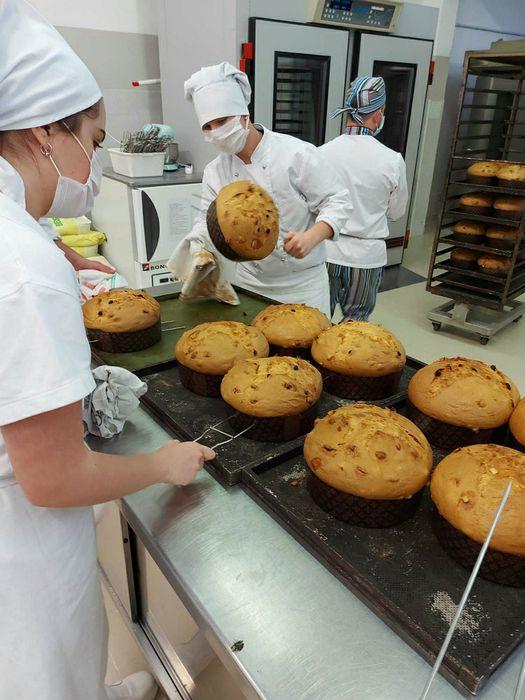 Preparazione panettoni